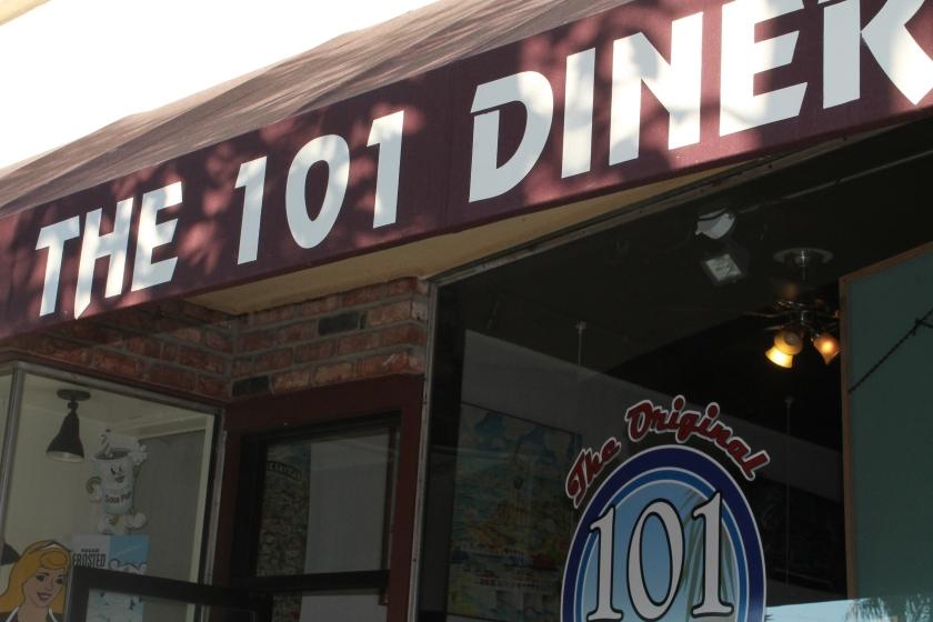 101 diner sign