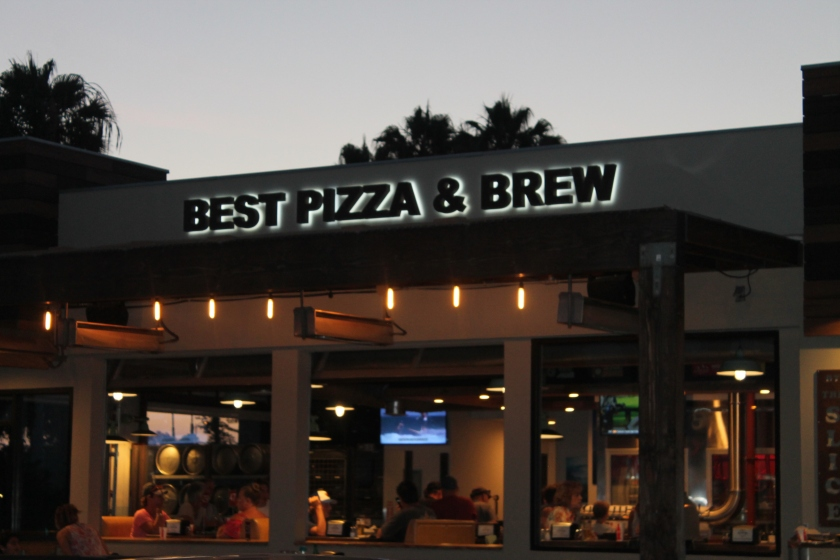 Best Pizza and Brew sign
